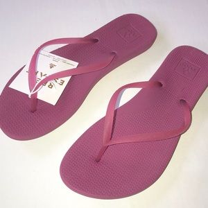 NEW Reef Lux Flip Flops Raspberry Women's 8.
